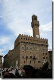 シニョーリア広場のヴェッキオ宮。かつてのフィレンツェ協和国政庁舎です。